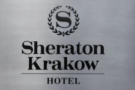 Oranje arriveert in Sheraton hotel Krakau (video)