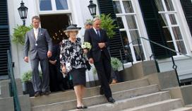 Horecaondernemer maakt bedankboek voor Beatrix