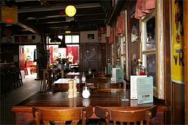 Café Top 100 nummer 66: De 12 Balcken, Den Burg (Texel)