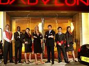 Veelbelovende start Hotel Babylon
