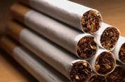 Hoogervorst dreigt met rookverbod horeca