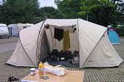 Nederlanders massaal naar de camping