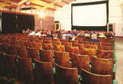 Daling bioscoopbezoek zet door