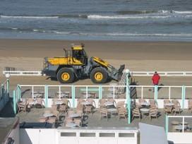 Hoog water boezemt strandtenthouders angst in