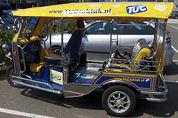 Amsterdam bekijkt plek voor tuktuk bij CS