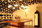 Grootste wijnfles ter wereld in Zwitserland