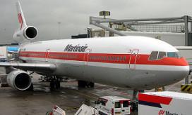 Martinair besteedt facilitaire dienst uit