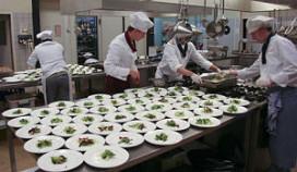 Koks in opleiding koken voor Kika