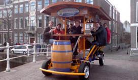 Amsterdam pakt bierfiets aan