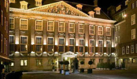 The Grand haalt 12 sterkoks naar Amsterdam