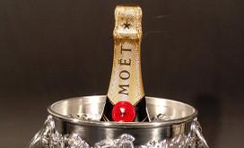 Champagnekaart in restaurant rukt op