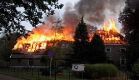 Hotel De Tovenaarsberg door brand verwoest