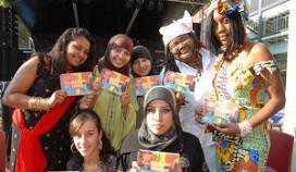 Studenten maken Haags multiculti-kookboek