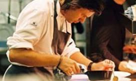 Herman kookt in Singapore