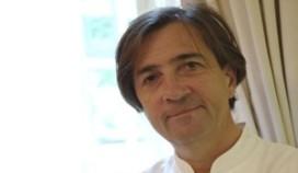 Kok levert Michelinsterren vrijwillig in