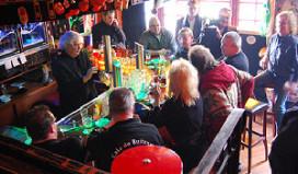 Café De Kachel viert feest