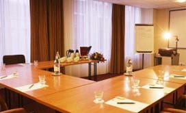 Vergadering aan vierkante tafels minst geslaagd