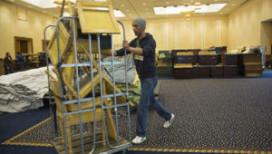 Hotel Okura geeft meubels weg