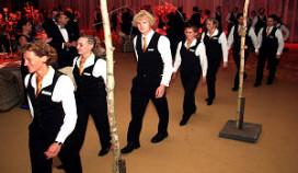 Staande ovatie voor personeel tijdens Veneca-diner