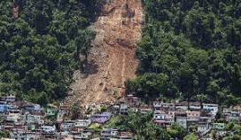 Braziliaans hotel verwoest door modderstroom