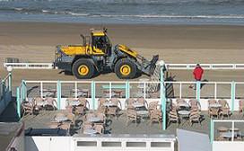 Strandtenten Zandvoort in opbouw