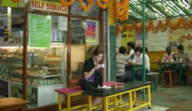 Aanslag op Indiaas restaurant eist levens