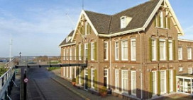 Toine Smulders start hotel in Tolkamer