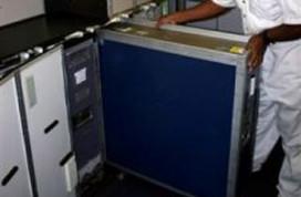 Cateringmedewerkers smokkelen drugs in trolleys