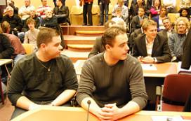 De Kachel: 'Asbak blijft op tafel