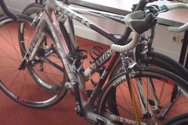 Peperdure fietsen Armstrong in Delta Hotel