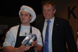 Boris Bassa draagt winst Glazen Kalf aan Cas Spijkers op