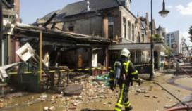 Door brand verwoest café weer open