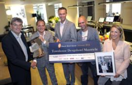 Trotse winnaar krijgt Dutch Hotel Award 2011