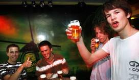 Kamer: alcoholbezit onder 16 strafbaar