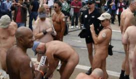 Nudisten protesteren om naakt uit eten te kunnen