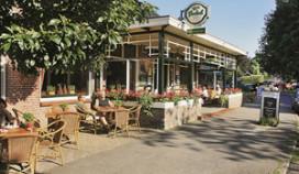 Groots eerbetoon Muskee bij café Hofsteenge