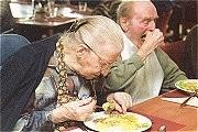 Senioren eten à la carte