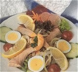 Kleine kaart gerechten/broodgerechten met zoutwatervis (rond)