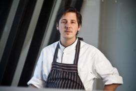 Niven Kunz kookt live in groentekas op Gastvrij Rotterdam