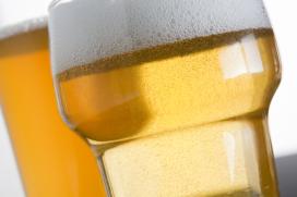 Dief steelt 20 kratten bier bij café in Beuningen