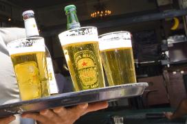 Blog: 'Een vol bierglas in de nek… niet expres