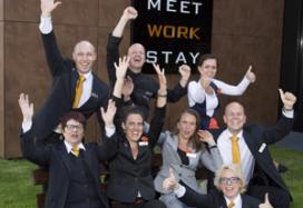 Sprankelend team Postillion Deventer wint Dutch Hotel Award 2014