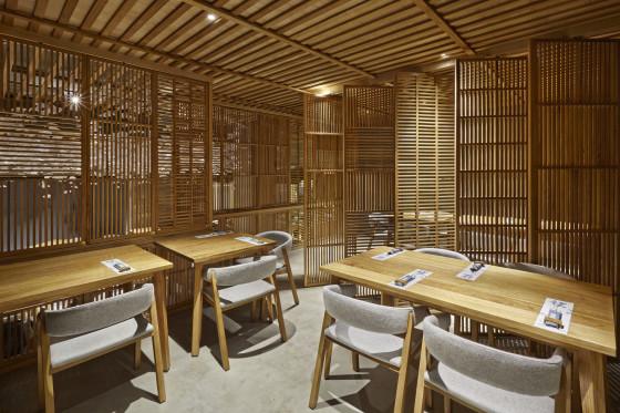 18 nozomi sushi bar masquespacio cualiti photo studio  560x373