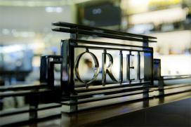 Oriel, Londen