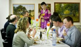 Foto's eerste Noord-Koreaanse restaurant in Amsterdam