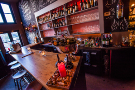 Foto's: wijnbar Raak in Ouderkerk aan de Amstel