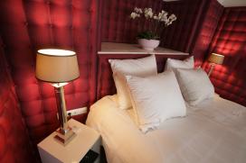 Vloggers overnachten zonder geld in suite De Librije