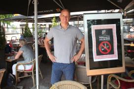 Collega's niet blij met rookvrij terras van Etienne Ros