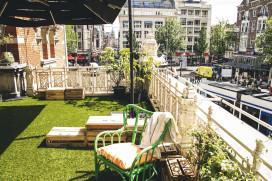 Ajaxterras Stadsschouwburg wordt zomertuin