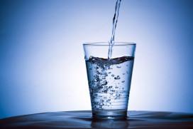Café serveert schoonmaakmiddel in plaats van water